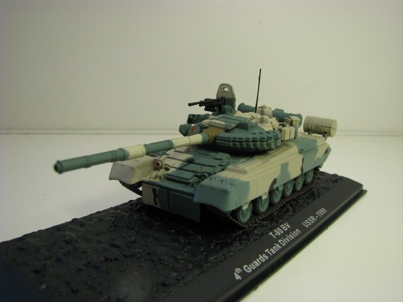 Tank T-80 BV Guards Tank Division USSR 1990 1:72 Atlas Edition